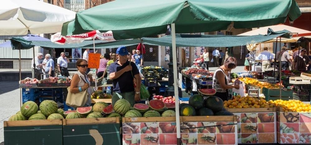 Mercado-de-los-jueves-benavente (30)