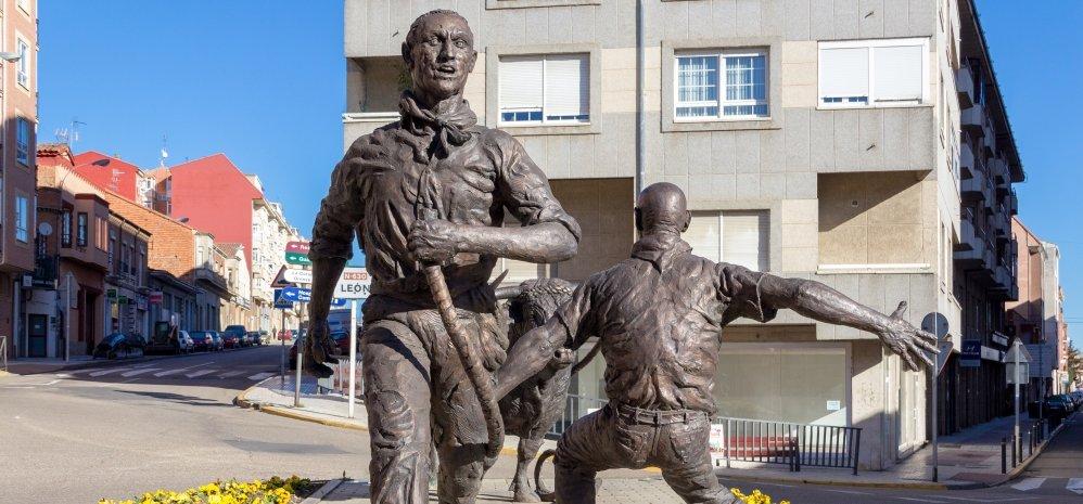 Monumento al toro Enmaromado (24)