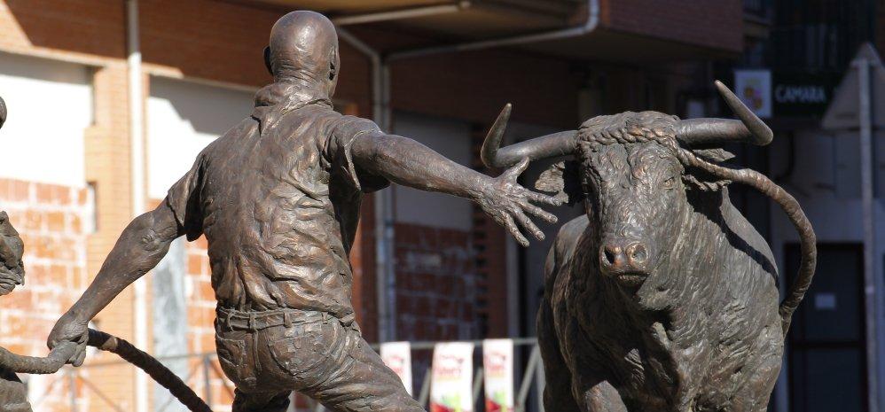 Monumento al toro Enmaromado (7)